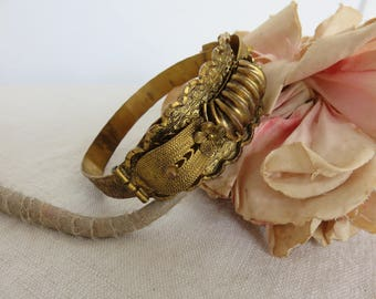Stunning Vintage Gilt Metal Bangle, Art Deco Czechoslovakia Braclet, Engraved Decoration, Gilded Flowers, Vintage Chic Jewelry Accessory