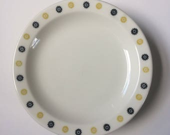 Homer Laughlin Best China Bread and Butter Plates, Yellow and Black Flower Restaurant Ware, Set of Four