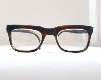 Frame Italy Tortoise Shell Eyeglasses, Classic Mad Men Birth Control Frames, Preowned with Issue at Left Eartip