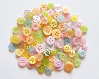 100 pcs Mix Buttons Mix sizes 2 Holes and 4 Holes Pastel Colors
