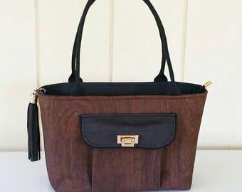 Brown cork shoulder bag