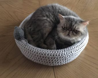 Crochet cat bed and toy, animal bed, cat bed,