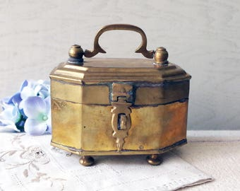 Vintage Brass Box with Latch / Vintage Brass Hexagonal Trinket Box/ Lidded Brass Box with Feet
