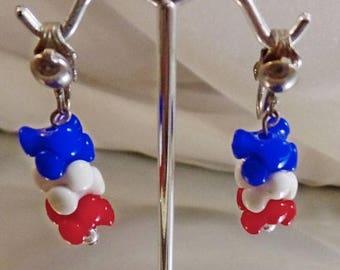 SALE Vintage Patriotic Earrings.  Red White Blue Stacked Bead Earrings.  1960s Mod Patriotic Earrings.