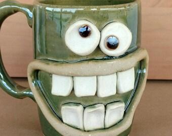 Pottery Coffee Cups. 16 Ounces. Hamburger Lover Happy Smiley Face Mug. Hot Chocolate Soup Beer Mug. Green Ceramic Mug