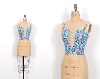 Vintage 1980s Tank / 80s Floral Print Lace Up Crop Top / Blue and Pink ( XS extra small )