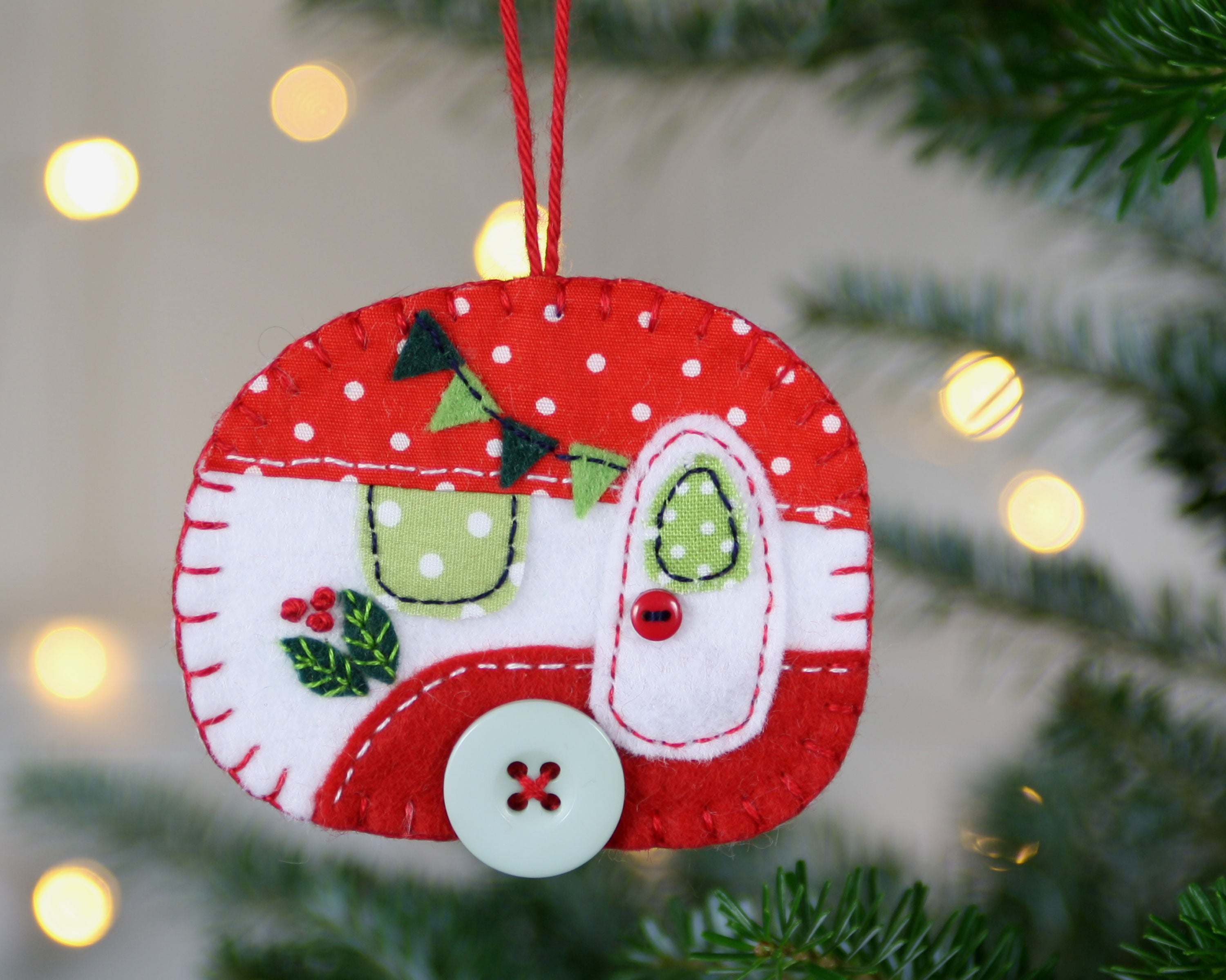 Felt Christmas ornament Vintage trailer ornament Vintage