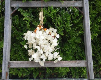 Money Plant Silver Dollar Plant Flower Bunch Dry Arrangement Simple Wedding Bouquet