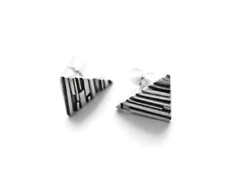 Triangle Stud Earrings, Silver Stud Earrings, Triangle Earrings, Geometric Earrings, Minimalist Earrings, Everyday Earrings, Geometric Studs