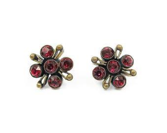 Art Deco Red Czech Glass Earrings - Gold Tone Metal, Screw Back Earrings, Red Rhinestones, Art Deco Jewelry, Vintage Earrings