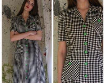 1950's Gingham Dress / Deadstock Dress / Cotton Daywear / Green Buttons / Collar Dress / Checked Dress / Summer Front Pockets Dress