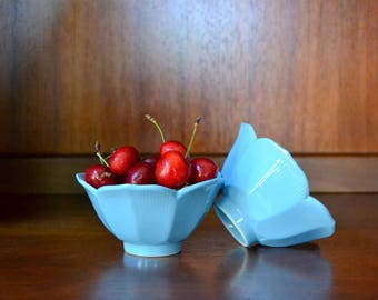 vintage baby blue midcentury porcelain lotus bowls / midcentury modern home decor / flower bowl