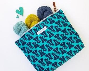 Medium Teal Bunnies Zippy Knitting Bag, Project Bag, Crocheting Bag, Gifts for Knitters, Sock Bag, Zipper Pouch