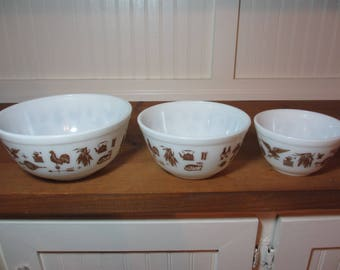 3 Pyrex Mixing Bowls, Early American, Kitchen, Baking, 1980s, White & Brown Pyrex Bowls PX700