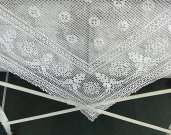 Vintage Crocheted Tablecloth, white, filet