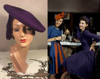 Meet Me at the Soda Shop - Vintage WW2 1940s Royal Purple Wool Yarn Side Beret Hat w/Tassel