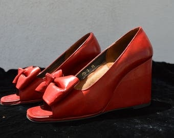vintage 40's wedge JOSEPH MAGNIN shoes classic pin up rockabilly shoes size 7 leather peep toe leather bow