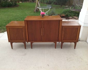 MID CENTURY MODERN Nightstands / Edmond Spence Style Modern Side Tables / Nightstands Eames Era / Ponti style at Retro Daisy Girl