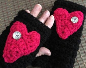 Handwarmers....Fingerless Gloves....with a Big Heart...Black and Red