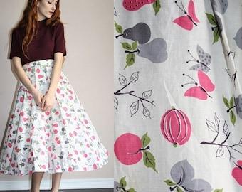On SALE 35% Off - Sugar Plum Novelty Print Vintage 1950s Fruit Nature Print Cotton Circle Skirt - 50s Circle Skirts - 50s Clothing - WV0319