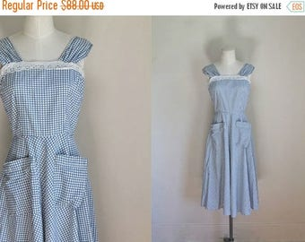 20% off SALE vintage 1940s dress - WINDOWS blue & white plaid pinafore / S