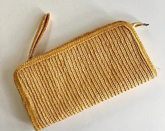 AWAY SALE 20% off vintage straw clutch - WHEAT woven bag