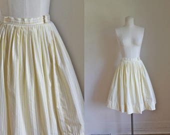 vintage 1950s skirt - ENGLISH ROSE and lace print novelty print skirt / XS