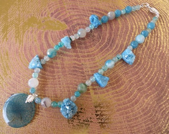 Aqua Agate And Druzy Nugget Chunky Beaded Necklace With Agate Pendant
