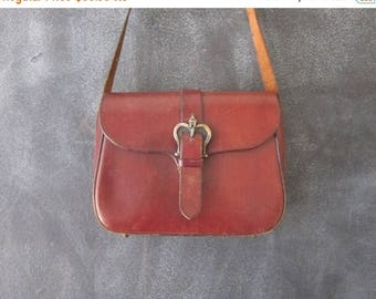 20% Off Sale 70s Etienne Aigner Wine Leather Saddle Shoulder Satchel Bag Purse
