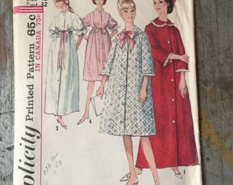 Vintage Simplicity Sewing Pattern 5726 Misses' Robe in 2 Lengths Size 12