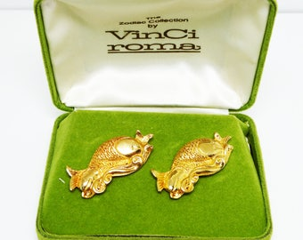 Pisces Fish Cuff Links by VinCi Roma - Vintage Gold Tone 1960's Era Zodiac Sign CuffLinks - Mens February March Birthday Jew