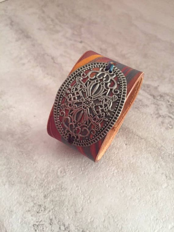 Handmade Women's Hand Dyed Marbled Leather Cuff Bracelet with Filigree (Size 6.5)