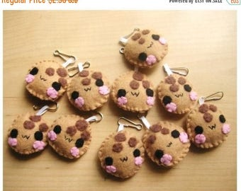 ON SALE - Cookie Keychain or Phone Charm - Food Keychain, Kawaii Keychain, Felt Food, Key Ring, Cell Phone Charm, Party Favors, Stocking Stu