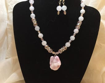 Crystal Pink Neclace