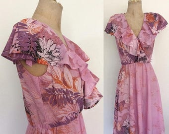 20% OFF 1970's Pink Floral Polyester Cape Shawl Dress Portrait Collar Summer Dress Size XS Small by Maeberry Vintage