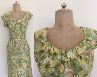 """30% OFF 1960's Cotton Green Floral Print Wiggle Dress Mad Men Retro Dress Size Large 30"""" Waist by Maeberry Vintage"""