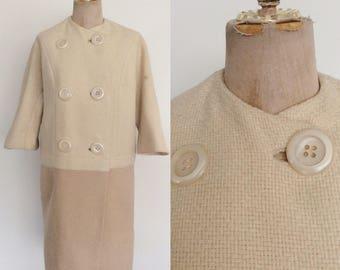 1960's Two Tone Tweed Ivory & Beige Coat w/ Three Quarter Length Sleeves Size Medium Large by Maeberry Vintage
