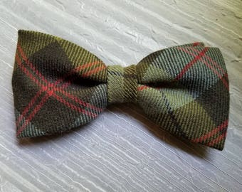 Vintage Shades of Olive Green Clip on Bow Tie Bowtie 1950s or 1960s Made in England Wool Plaid