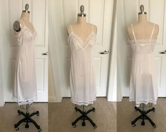 1990s True White Lace Nylon Slip // Size Medium