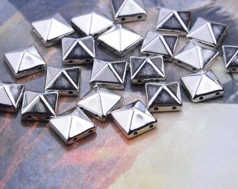 50 Silver Studs, Spike studs, plastic spikes, flat back spikes,stud pyramid, square studs, plastic pyramid spikes for embellishment 10x10mm
