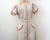 Vintage 1950s Cotton Day Dress - floral print zip front shirtwaist house dress with pockets - M