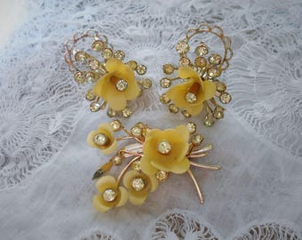 Vintage Rose brooch earring set pale yellow celluloid with rhinestones 1940s  clip on earrings gold tone set