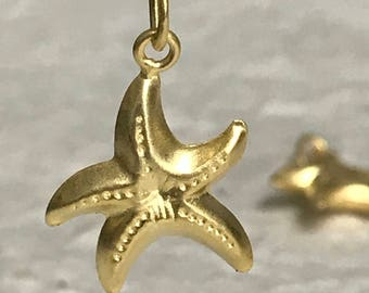 1 Gold Vermeil Starfish Charm - Ready to Hang - 18mm Puffed and Double Sided - Oakhill Silver Supply C76a