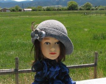 Marble Grey Lizzy Knit Felt Wool Hat Slant Brim Felted Pinwheel Mod Pin