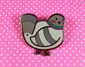 Pigeon butt enamel pin 3cm - bird dove lapel pin brooch badge flair collar pin hat pin nature animal