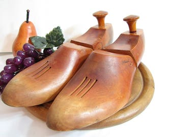 Vintage Sellwell Hinged Wood Shoe Forms, Pair, Set of 2 ... Cobbler Shoe Molds, Shoe Lasts, Wood Shoe Forms circa 1940s