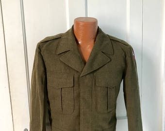 Vintage Men's  1950 Army Jacket 40 S.  unisex   US Military