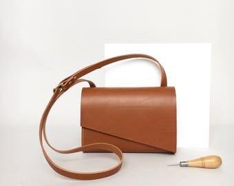 Pioneer Midi Leather Shoulder Bag in Tan