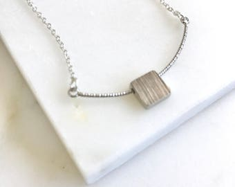 Simple Silver Curved Bar ans Square Necklace.  Everyday Silver Bar Pendant Necklace. Dainty Silver Bar Necklace. Layering. Gift.