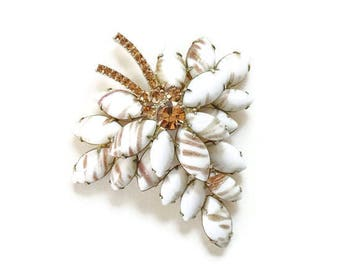 C1960s Juliana Gold Fluss Chalk White Champagne Navette Rhinestone Brooch Pin Goldtone DeLizza Elster